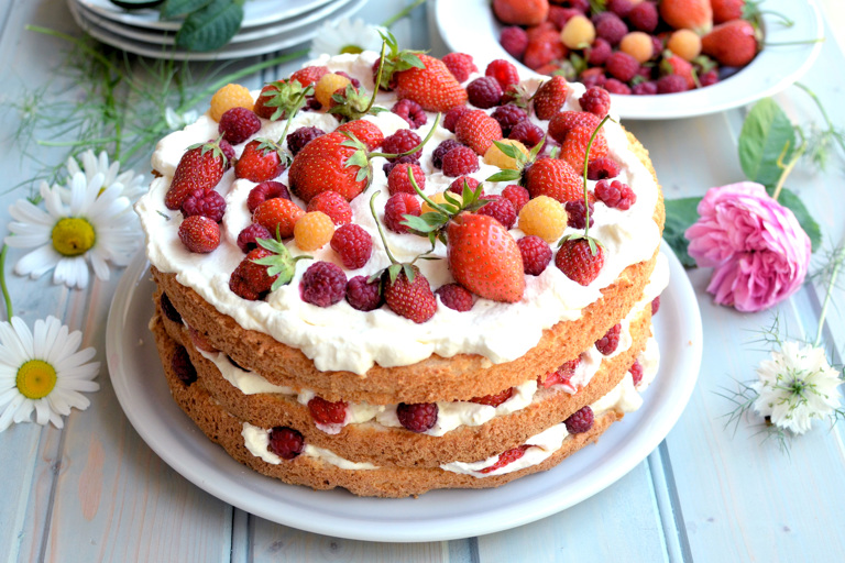 Swedish midsummer cake