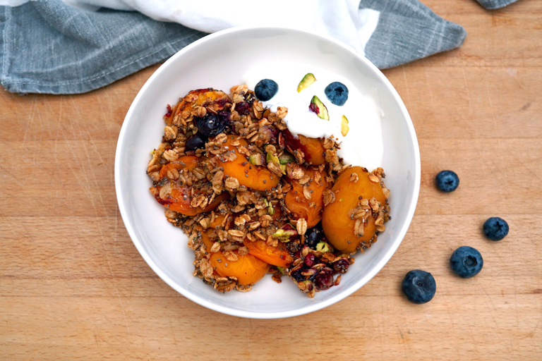 Apricot, blueberry and pistachio breakfast crumble