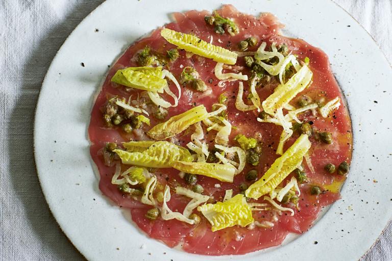 Tuna carpaccio with fennel and lemon