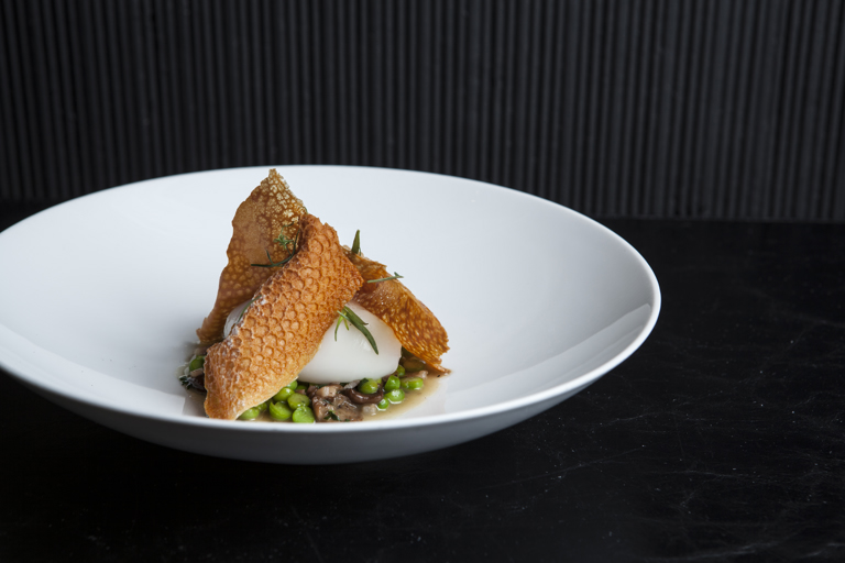Slow-cooked duck egg with peas, mousserons, Chardonnay vinegar and smoked bacon