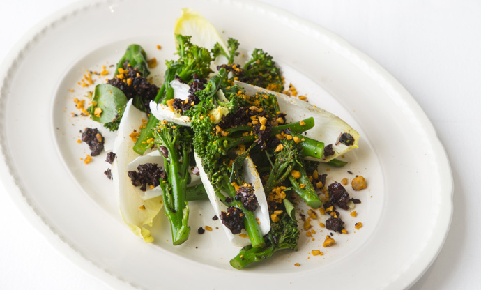 Tenderstem broccoli with black garlic, poppy seeds and olive dressing