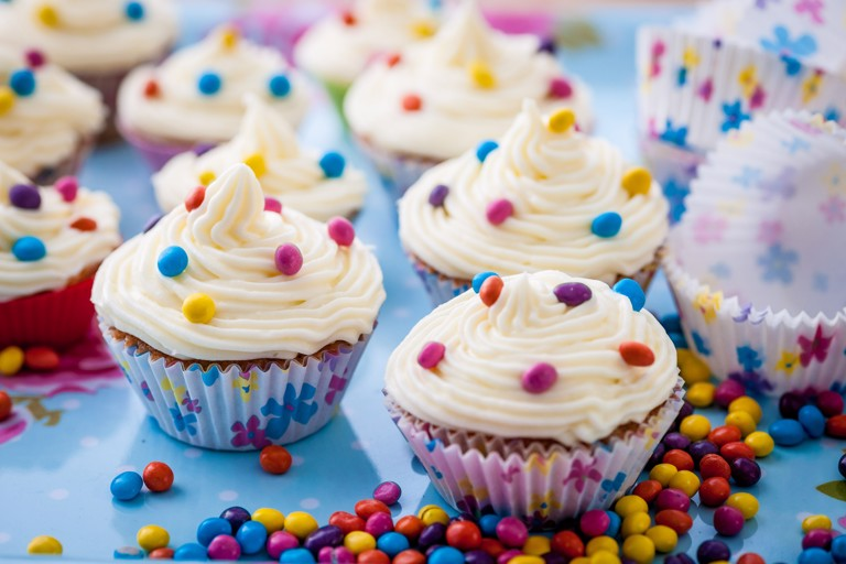 Mini spiced cupcakes with cream cheese frosting