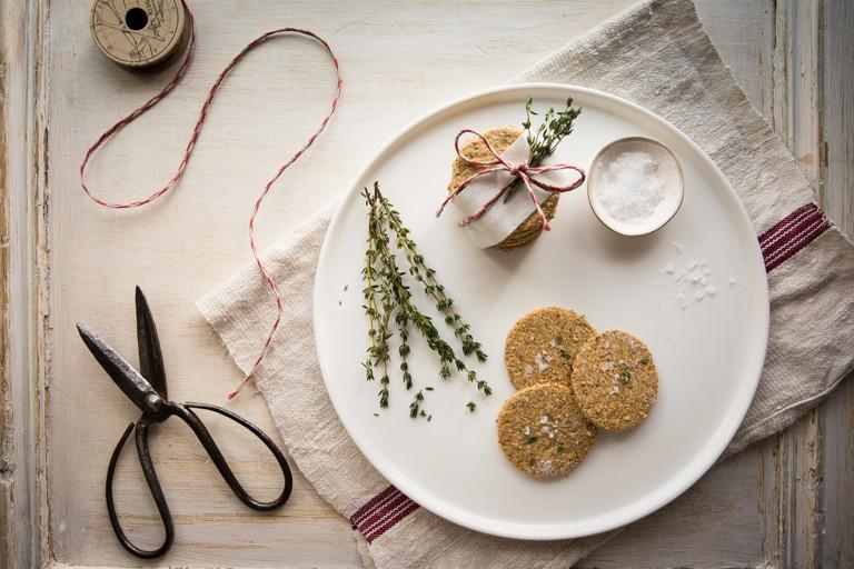Thyme and sea salt oatcakes
