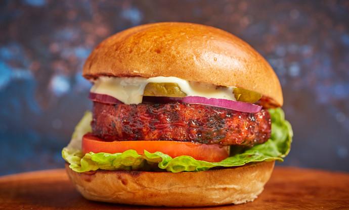 Barbecue celeriac burger