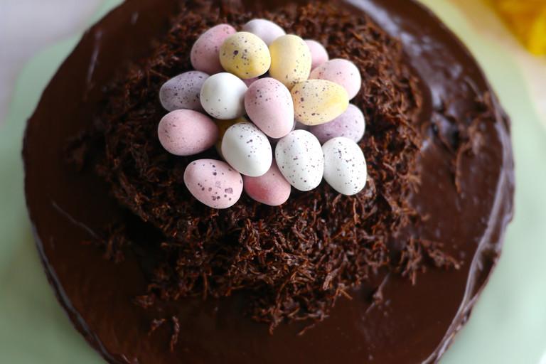 Easter nest cake (Prinzregententorte)