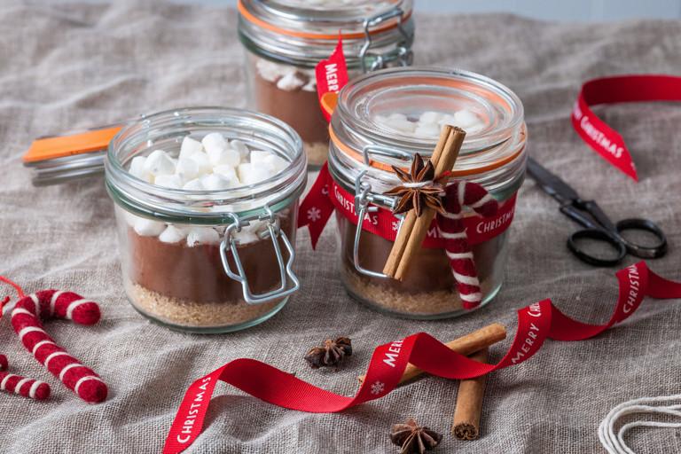 Spiced Christmas hot chocolate kit