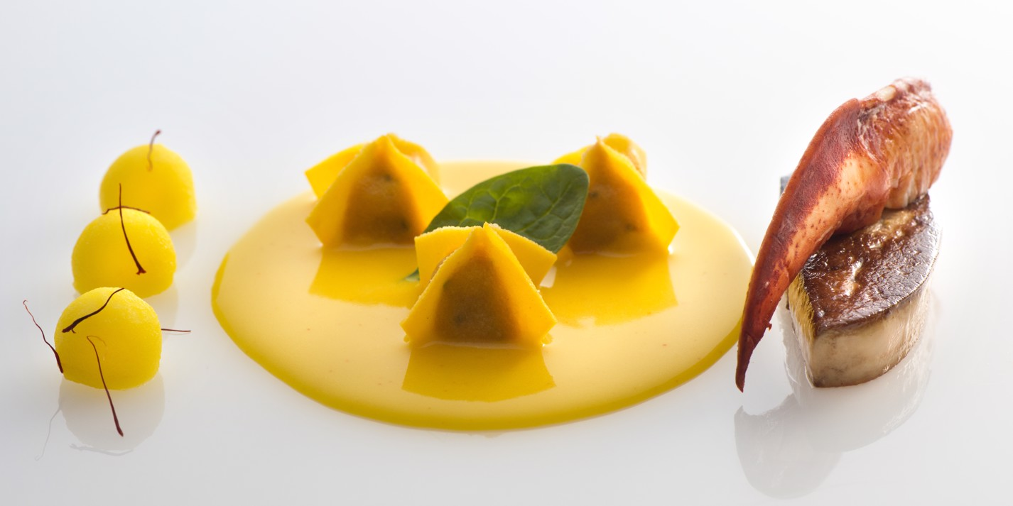 Ravioli with lobster, foie gras, potatoes and saffron