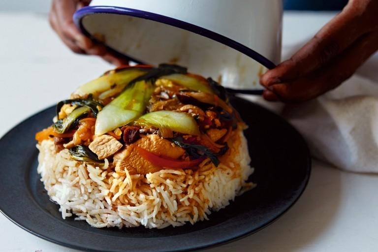 Bol renversé - sunny-side-up egg, chicken and pak choi rice bowl