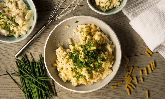 Vegan macaroni cheese