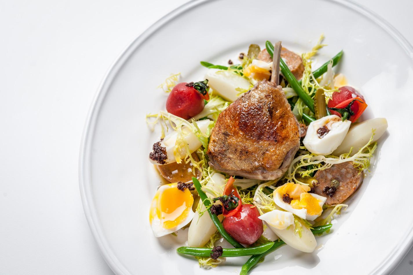 Duck salad Lyonnaise