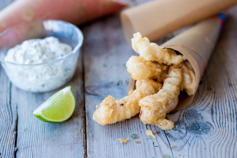 Crispy fish fingers in lemonade batter