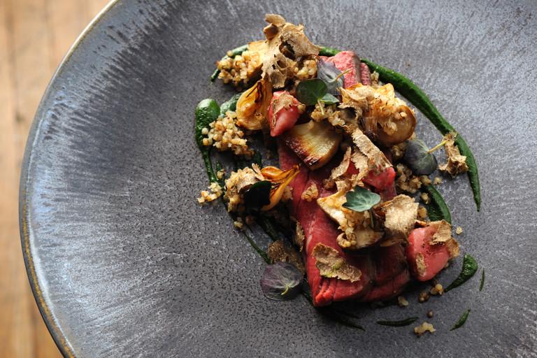 Beef fillet, watercress and nasturtium purée, bone marrow and red wine