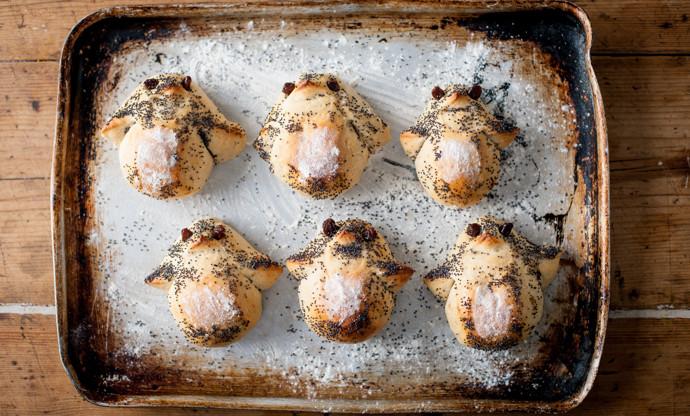 Cheesy penguin breads