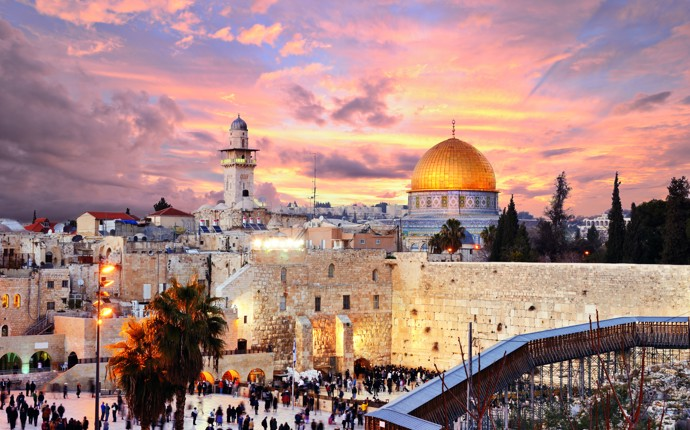 Israel: two cities, one break