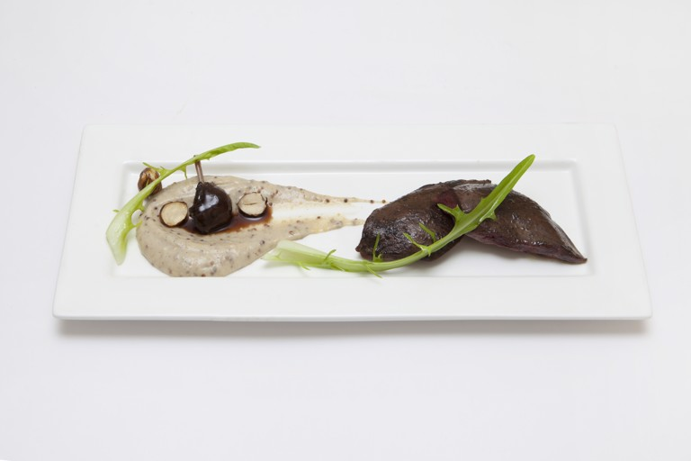 Wild pigeon and Jerusalem artichoke