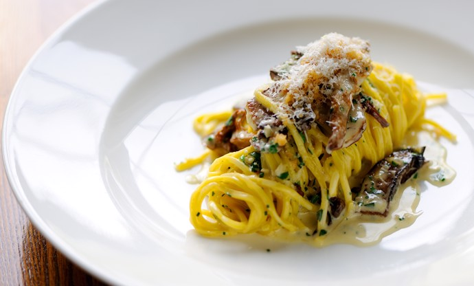 Linguine with ceps and trompettes