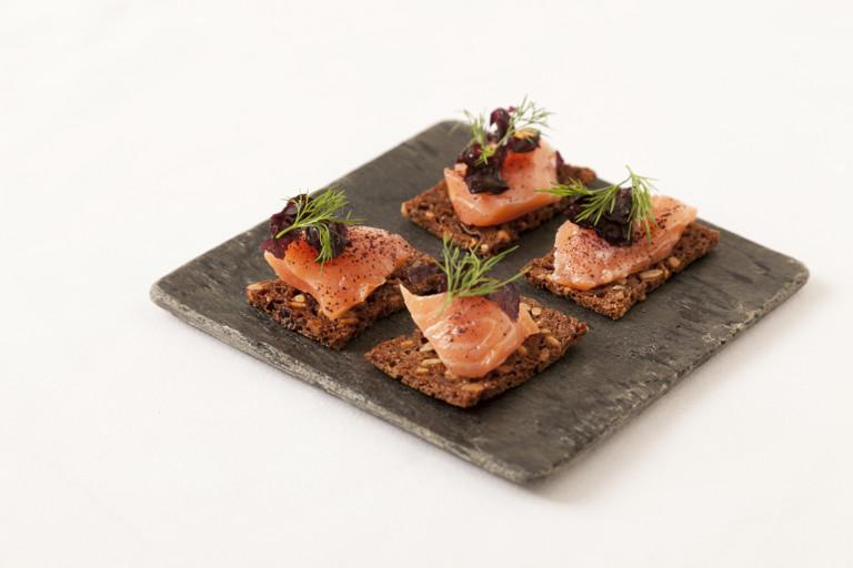 Salmon gravlax with horseradish