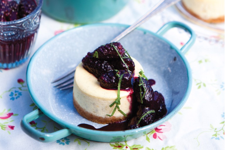 Vanilla cheesecake with blackberries and mint compote