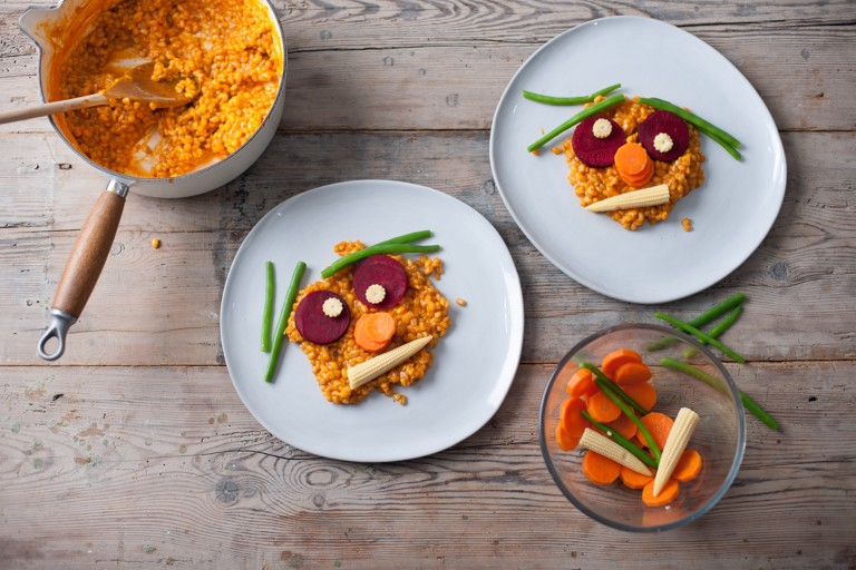 Tomato and vegetable risotto faces
