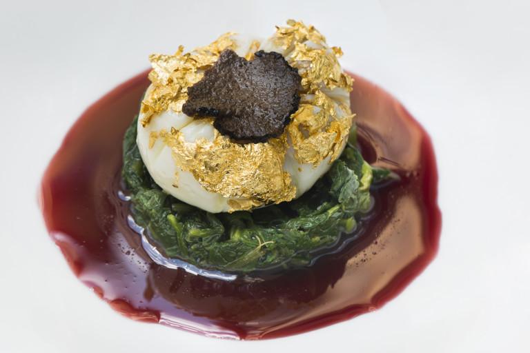 Egg 'en Mmeurette' Tuscan style, chianti reduction, bitter herbs and confit black truffle
