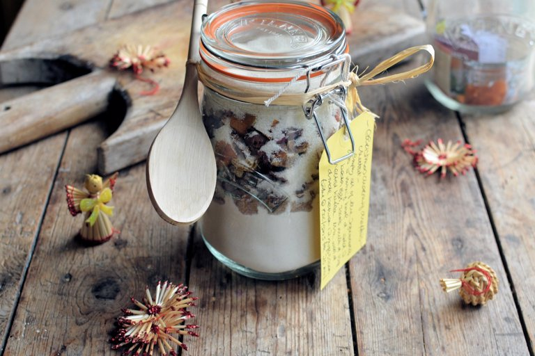 Christmas morning muffins in a jar