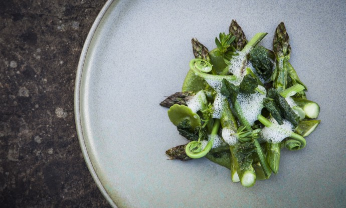 Wye Valley asparagus with hogweed, maritime pine, hedgerow clippings and mead