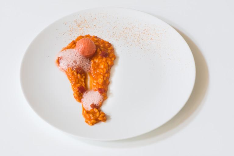 'All tomato' – risotto with tomato sauce, tomato sorbet, tomato air, tomato confit and tomato powder