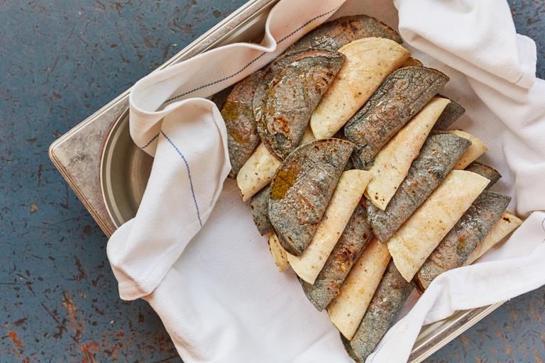 Tacos de canasta con pollo – chicken basket tacos