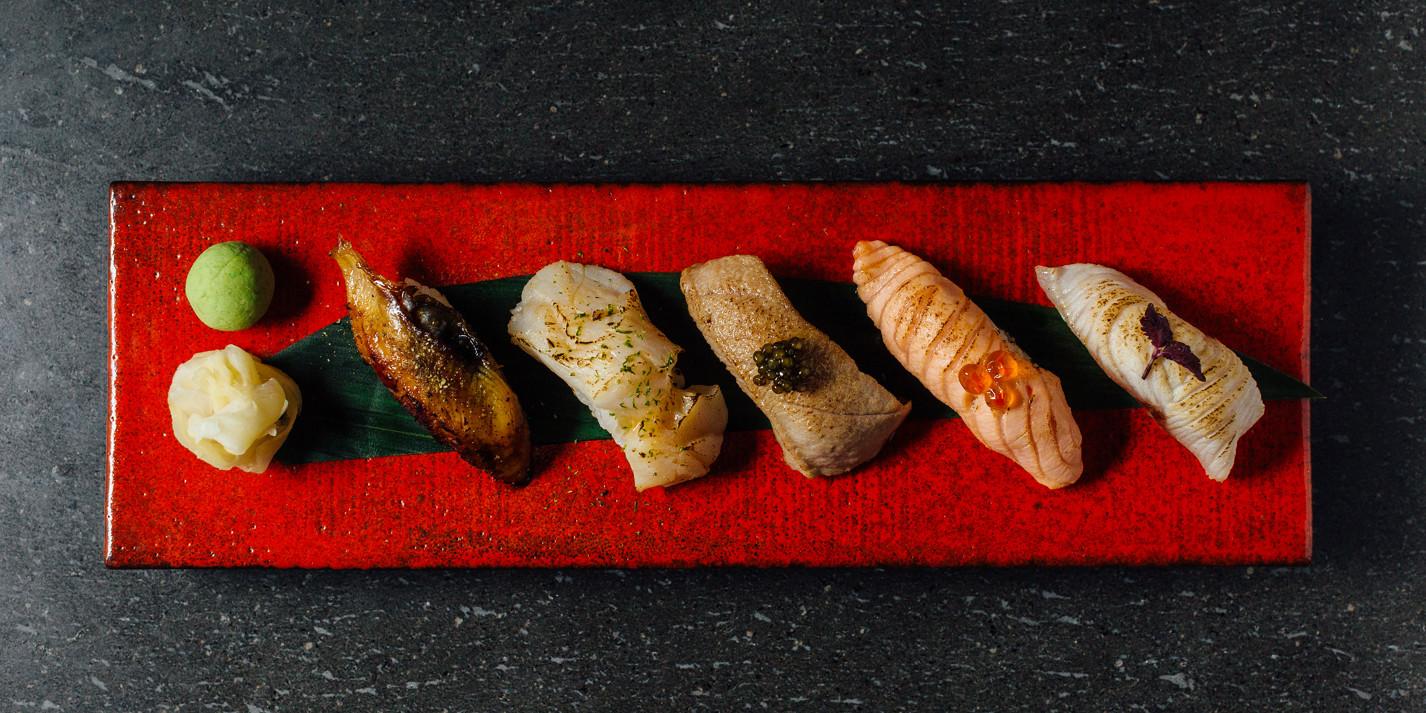 Aburi nigiri goshumori – seared nigiri sushi