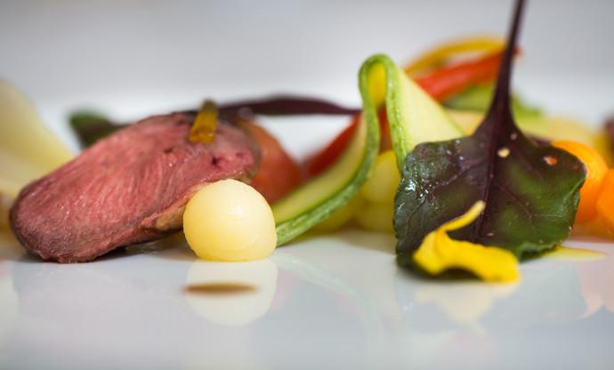 'Trigabolo 1994' – pigeon breast salad with crispy vegetables, candied orange and balsamic vinegar