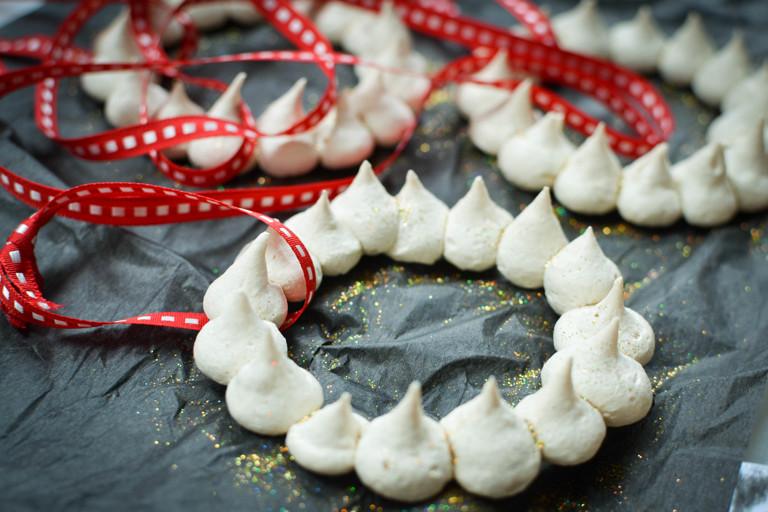 Edible Christmas Tree Decorations – Baiserringe