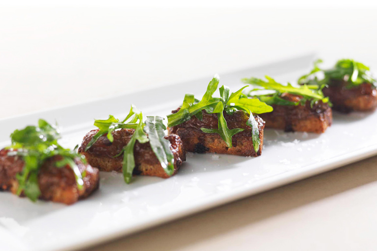 Braised pig's trotter croutons