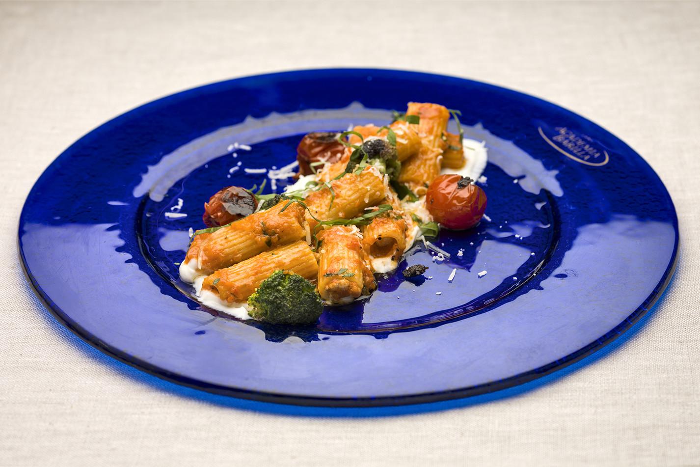 Melissa Kelly, US – Sausage-filled rigatoni, silky ricotta, sweet tomato ragu