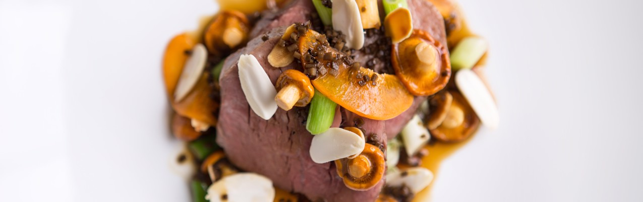 Veal fillet with girolles, apricots and truffle sauce