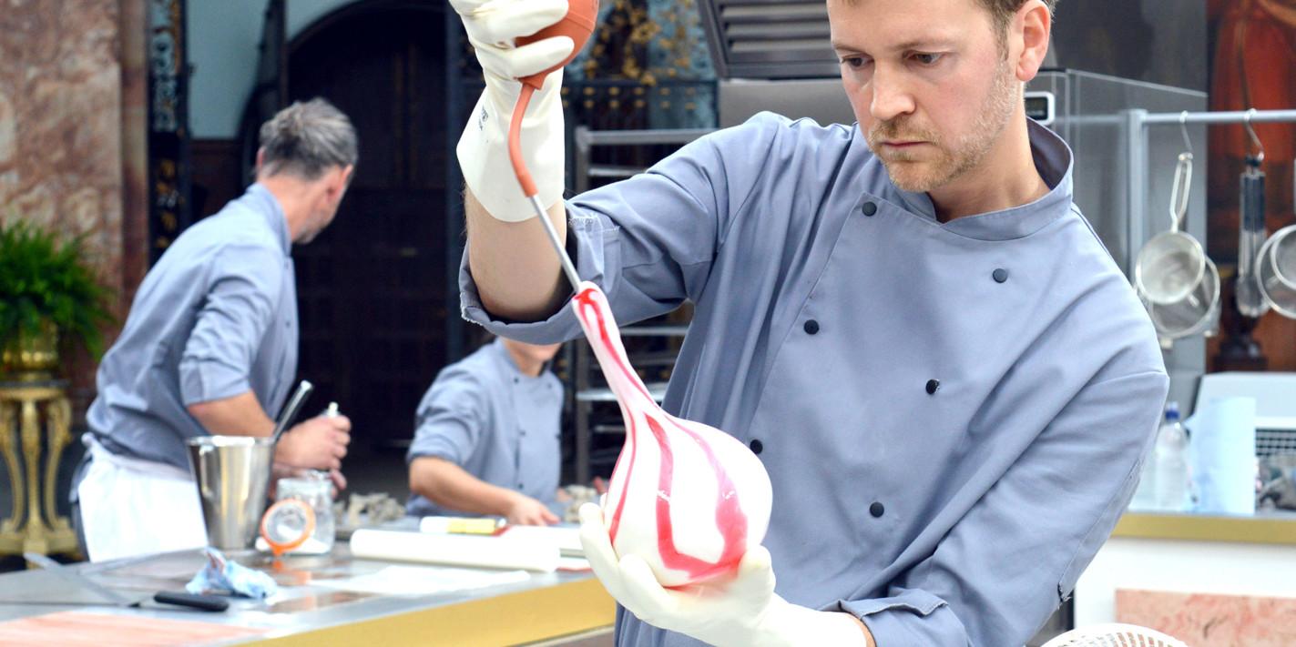 Bake Off: Crème de la Crème – episode seven