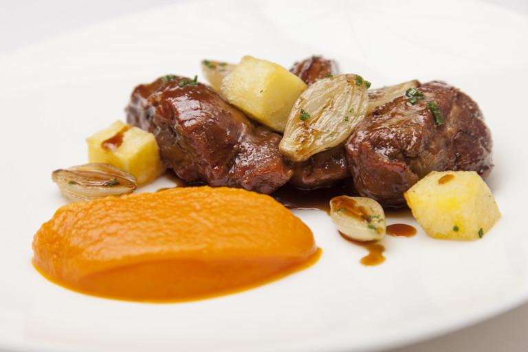 Meantime Yakima Red beer-braised Saddleback pork cheeks, creamed carrots and crispy potatoes