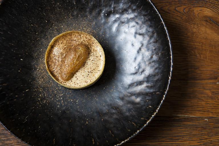 Potato ring, truffle mousse