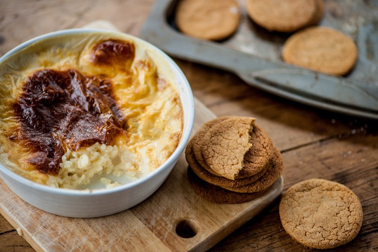 Rice pudding with ginger snap dunkers