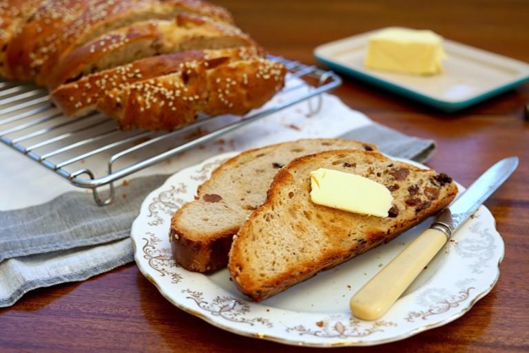 Easter sweet spiced fruit bread