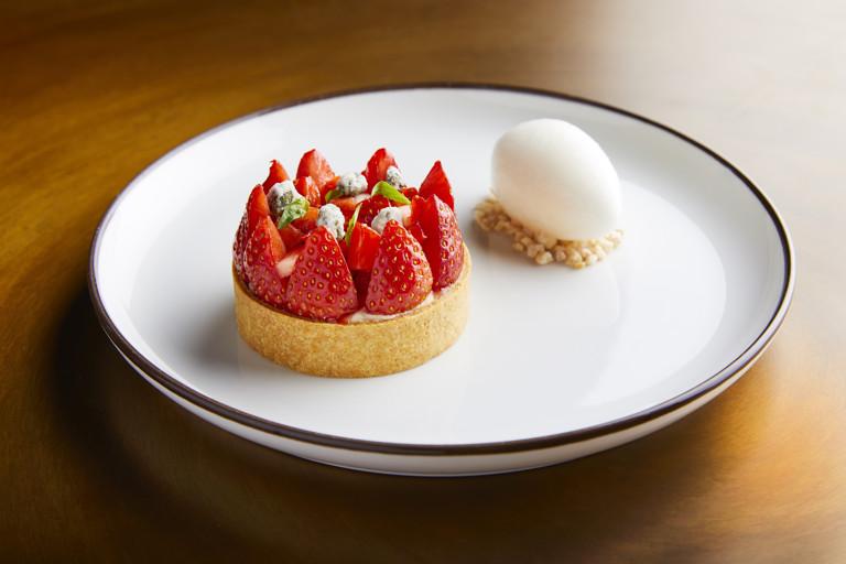 Strawberry tartlet, vanilla, elderflower