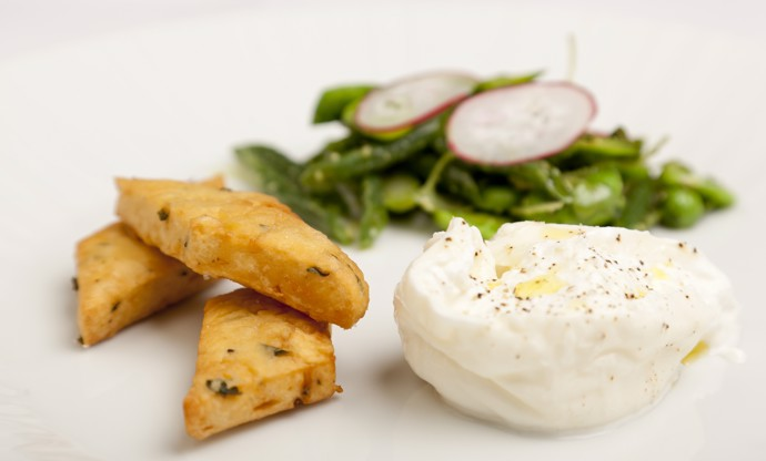 Burrata with summer salad and chickpea fritters