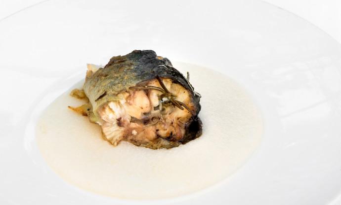 Roast eel with garlic, rosemary and white polenta