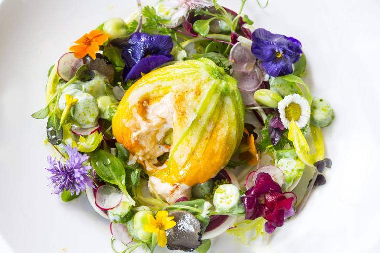 Baccalá stuffed courgette flowers