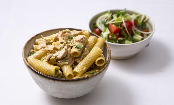 Tortiglioni with chicken and lemon sauce