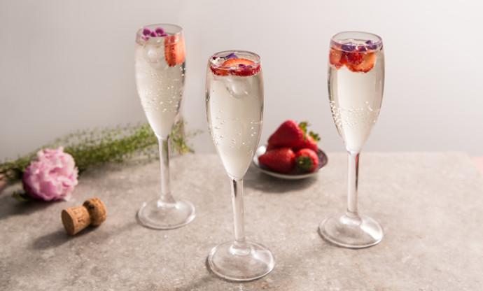 Elderflower Prosecco cocktail