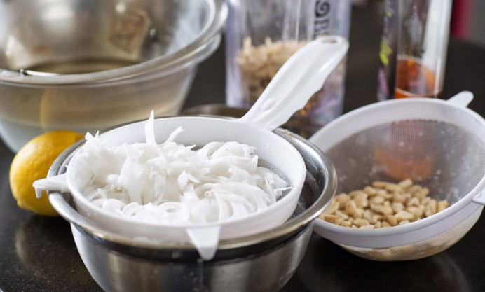 Grind the cashew nuts into a fine flour