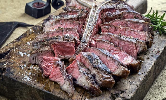 Bistecca alla Fiorentina: giant barbecued T-bones in Tuscany